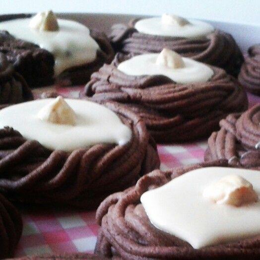 Beyaz çikolata dolgulu kuş yuvası kurabiyeler ♥