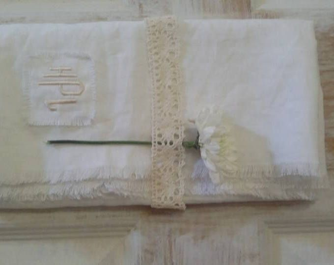 Linen Table Runner, Table Runner , Linen Cloth, Table Decor, Linen Table Cloth, White Sheet, Frayed Linen Runner, Vintage Look, Eco-friendly