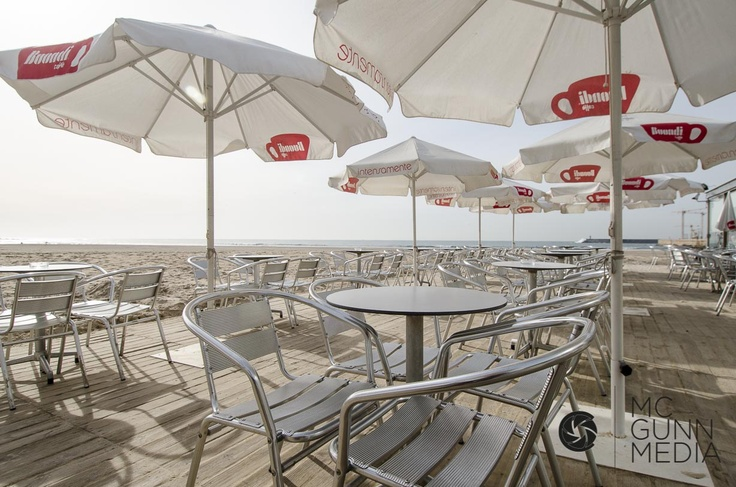 www.mcgunnmedia.com  Matosinhos beach!