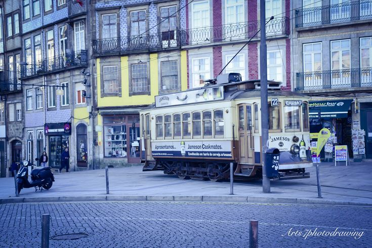 #photography #eletrico #porto #portugal #amazing #photo by #photographer @tiagorebelo17 TR7
