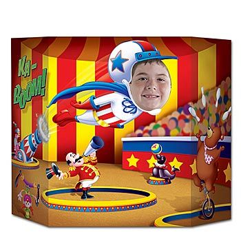 Circus Photo Prop - I'm dying to have a circus themed party!