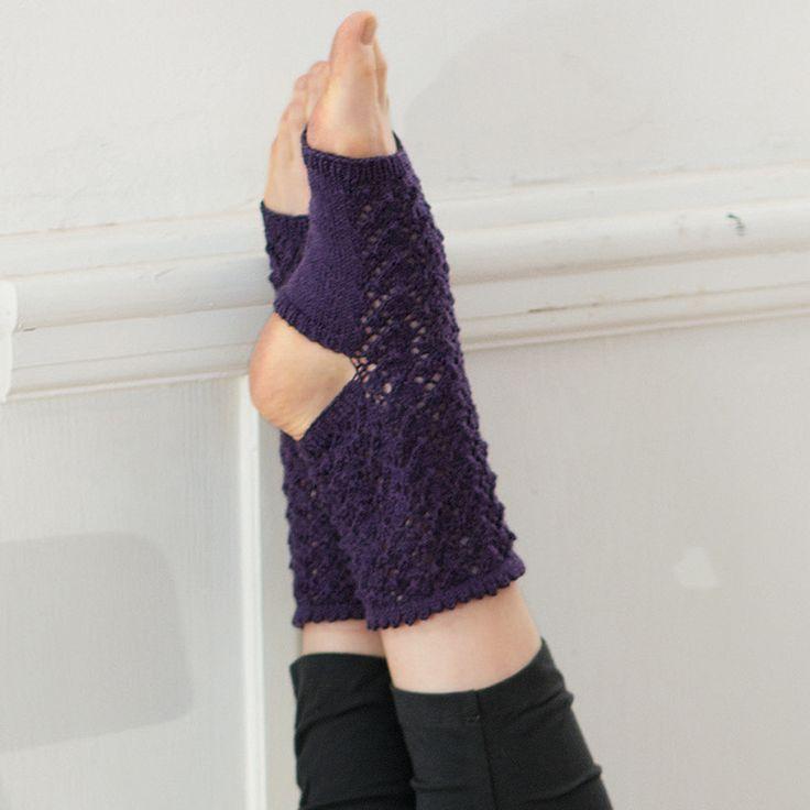 Ажурные носки для йоги