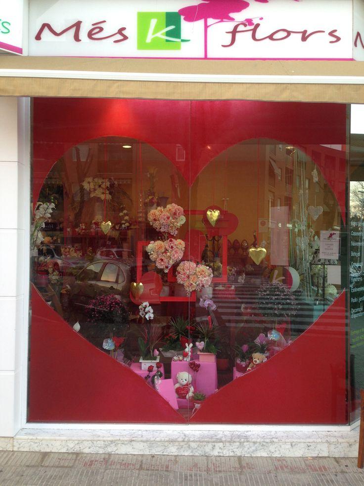 Escaparate enamorados floristeria#Showcase in love flower shop
