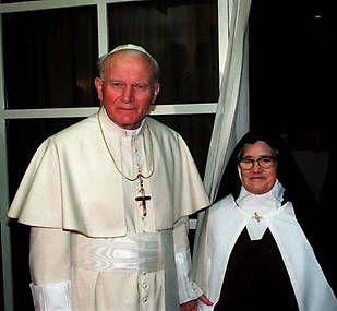 La biografía en imágenes del papa Juan Pablo II