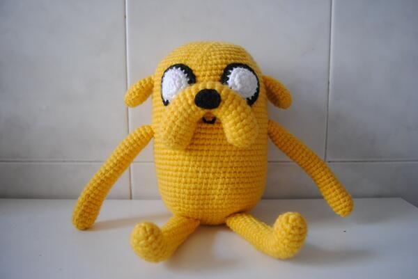 Jake el perro, de Hora de Aventuras  http://wamigurumi.wordpress.com/ https://twitter.com/Wamigurumi/