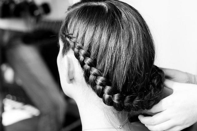 HAIR STYLE matrimonio 7.04.12 by Angeles Irarrazaval, via Flickr