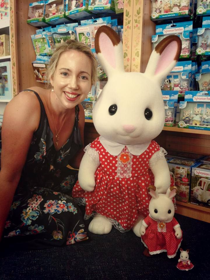 OMG - all of Elf Carly's Christmases have come at once - look at this massive Sylvanian Families Freya Bunny that just arrived at Elf HQ! She even has soft fur! She's not for sale unfortunately, just for cuddles #Sylvanianfamilies #Entropytoys #Entropy