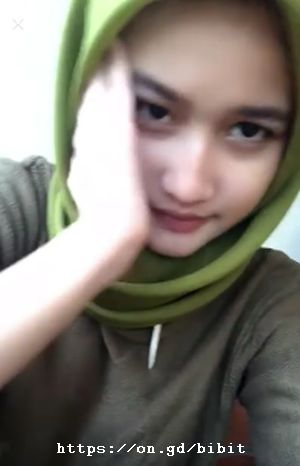 Gadis Cantik Berjilbab Bigo Live