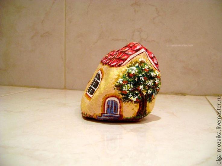 Купить Домик с деревом - желтый, натуральный камень, домик, декоративный домик…