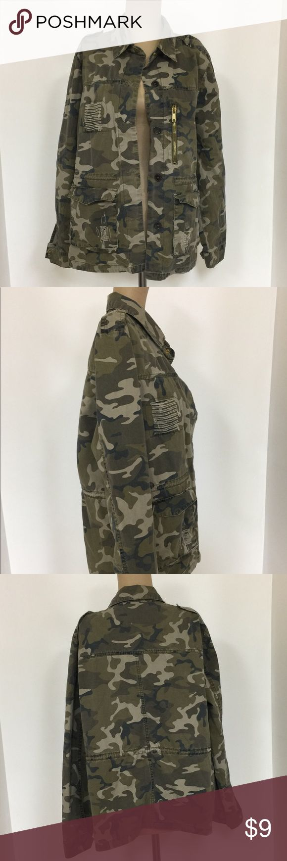 Camo jacket (((((WOMENS SIZE L)))))) Women's light weight camo jacket  Size: large In good condition love tree Jackets & Coats