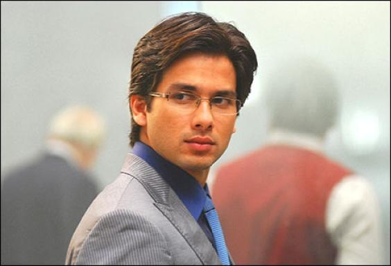 Jab We Met (2007) this is my favourite picture of Shahid