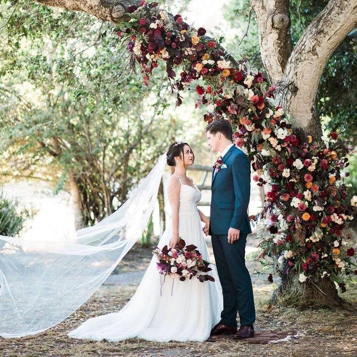 Altarpiece Wedding: Green Wedding Shoes / Jen (@greenweddingshoes) • Instagram