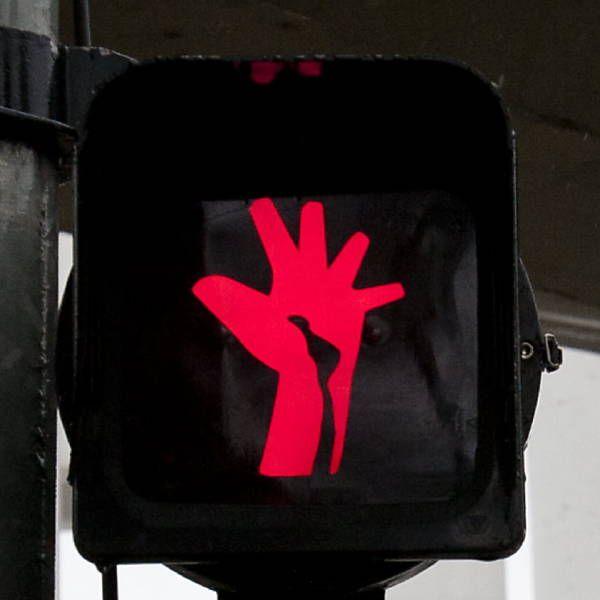 Folha de S.Paulo - São Paulo - De Masp a Pacaembu, pontos turísticos viram semáforos para pedestres em SP - 10/11/2013