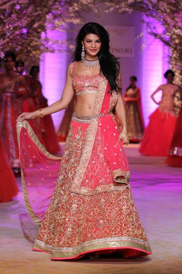 jyotsana_tiwari_at_indian_bridal_fashion_week_2013_photos-00461.jpg - Kerala9.com