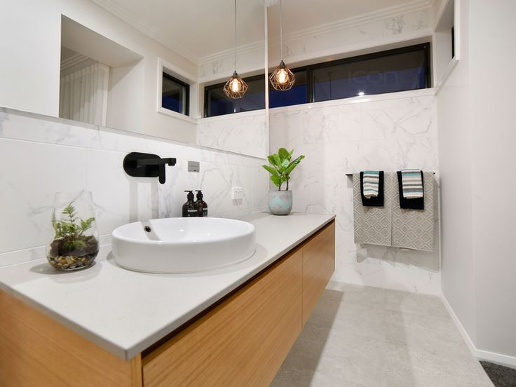 Modern 3 way bathroom! #Robersonconstruction #iconobuildingdesign #modernbathrooms #homedecor #stylebyblondes