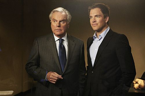 Robert Wagner and Michael Weatherly in NCIS: Naval Criminal Investigative Service (2003)