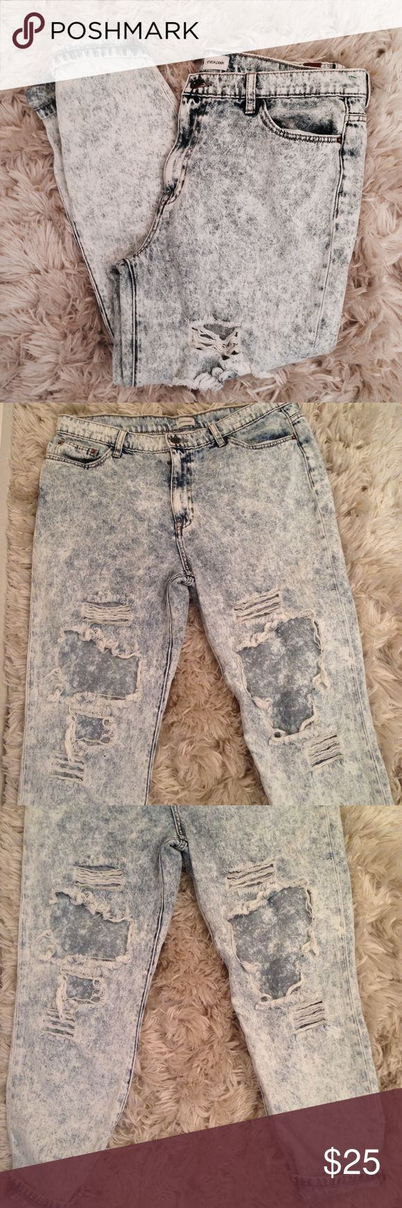 """Boyfriend Distressed Acid Washed Jeans Good condition! Trendy - distressed. 17"""" waistband. 🚫Trades but I welcome considerable offers 🤘🏽 Sneak Peek Jeans Boyfriend"""