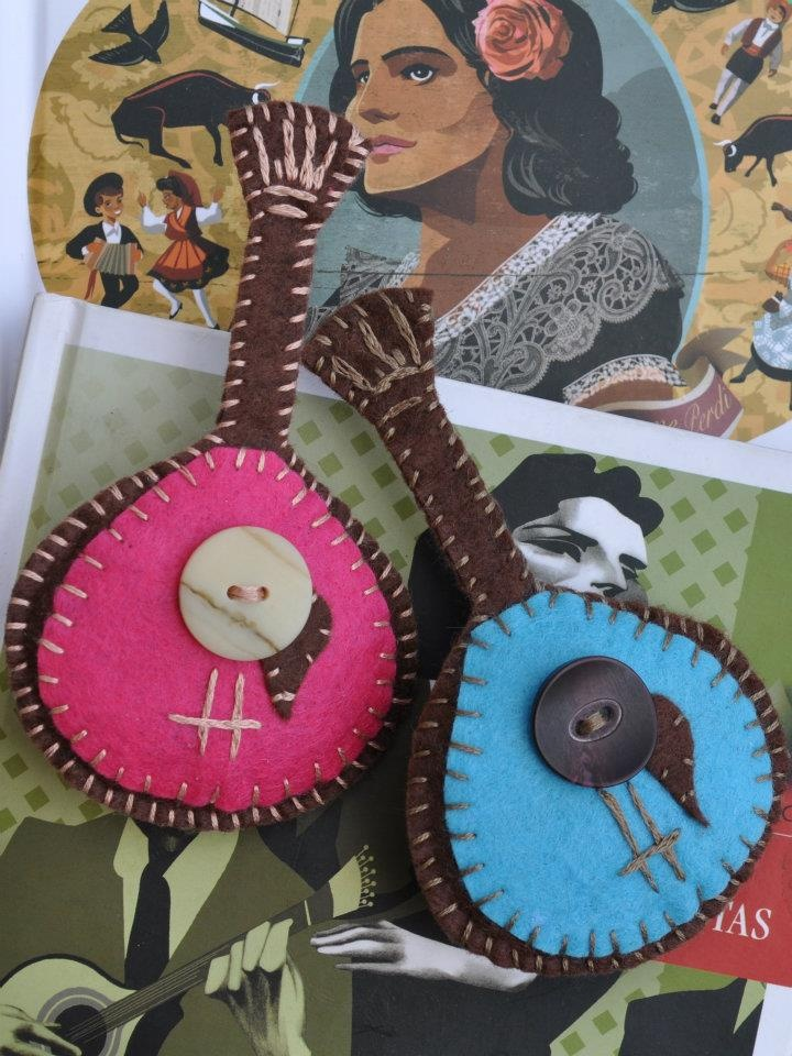 Felt brooches - Portuguese guitars, my homage to Fado