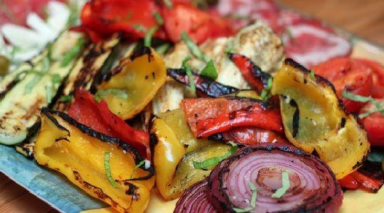 Antipasto de vegetales al horno
