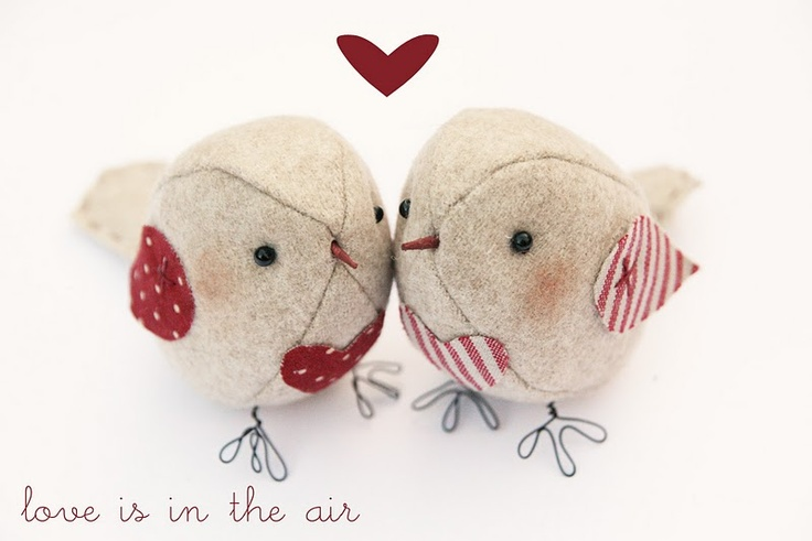 Sweet little felt birds.  Has a link for purchasing the pattern so you can make one yourself ~
