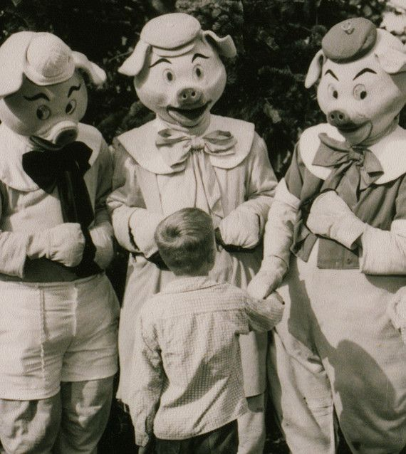 """Mega Creepy: Vintage Disneyland Costumes  """"Johnny had no idea that he would be seeing them again later that night in the darkness of his room."""""""