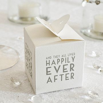 'Happily Ever After' Wedding Favour Boxes (Pack of 8)