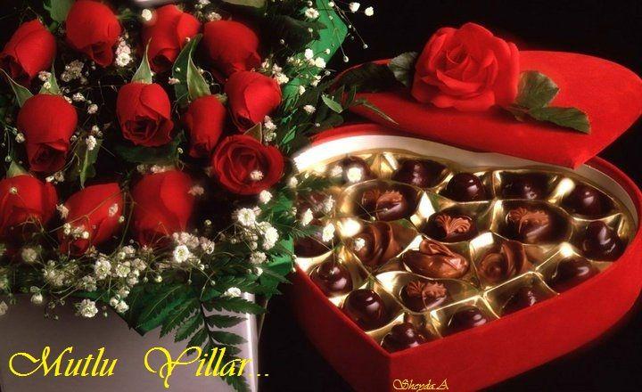 Butik Kutusunda Hediye çikolata sizlere özel tasarlandı. Sevdiklerinize şık bir kutuda el yapımı marka çikolatalar ile harika hissetirecektir