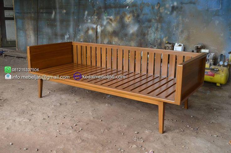 Sofa minimalis vintage.  Bahan : kayu jati.  Finishing : natural warna kayu.  Ukuran : lebar 220 x depth 55 x tinggi 80 cm.  Harga : kontak kita atau tinggalkan komentar untuk harga yg up to date ya.  Kontak : Zulham efendi Hp/watsapp : 081215337504 Office : 02914298079 Email : info.mebeljati@gmail.com Homepage : kedaimebeljati.com  Tags : #SofaMinimalis #SofaSantai #SofaJati #KursiTamu #SofaTamu #SofaKayuJati #KursiTamuMinimalis #MebelMinimalis #MebelJatiMinimalis #MebelJepara…