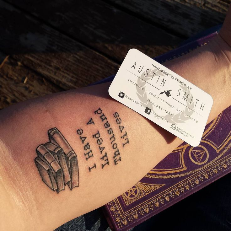 #tattoovisalia #bookworm #bookquotes #bookish #bookstagram #creepshowtattoostudio I have lived a thousand lives. Tattoo designs best bookish tat ever.