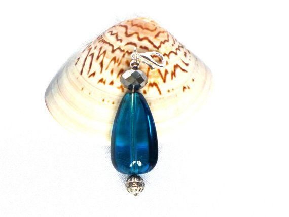 Anhänger Kette stahlblaue Perle Charm Anhänger von JewelsbyLonasART