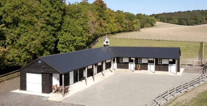 L Shaped Barn Farm Pinterest Barn Horse Ranch And Horse