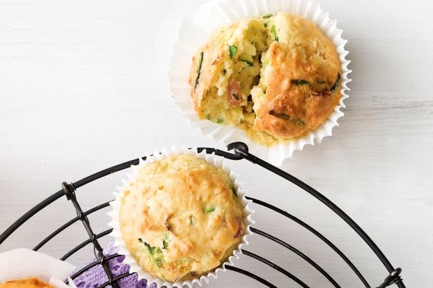 Bacon, cheese and zucchini muffins