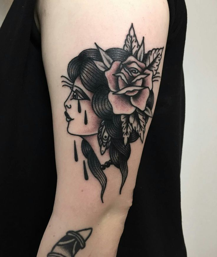 Tattoo done by: Lucas Wagner #traditionaltattoo #oldschool #tradicional #traditional