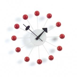 Har snöat in på en röd klocka till köket, men det verkar inte vara det lättaste att hitta, denna är dock inte så dum