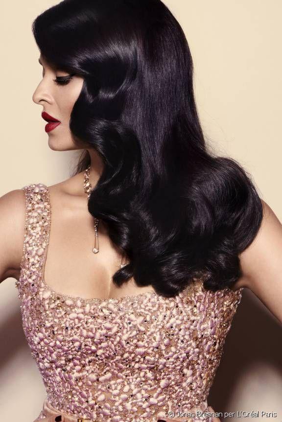 Ritratto fotografico dell'affascinante Aishwarya Rai, fotografata da Jonas Bresnan per L'Oréal Paris.