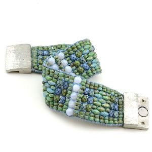 Free Bracelet Looming Project Tutorial | Tapestry | Beadshop.com