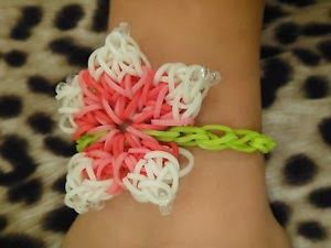 Rainbow Loom Patterns: Hibiscus Flower Rainbow Loom Pattern (youtube tutorial) See more: http://rainbowloompatterns.blogspot.com