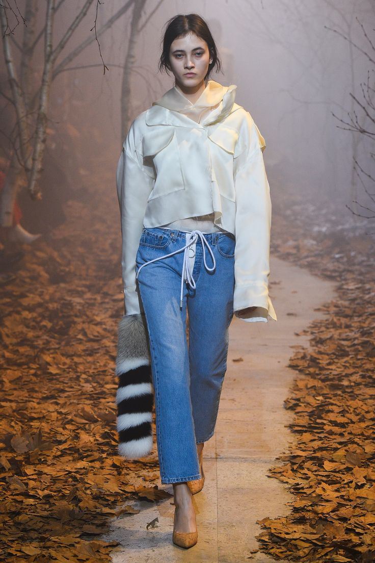 Off-White Fall 2017 Ready-to-Wear Collection Photos - Vogue