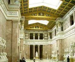 29 – Los dioses germanos vivían en el Walhalla el brillante palacio de Odín entre la bruma de las nubes y donde eran bienvenidos los guerreros valientes después de la muerte.