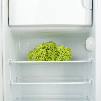 как избавиться от неприятного запаха  в холодильнике)