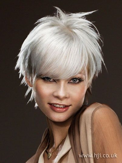 cute short hair cut on grey | http://hair-styles-collections.blogspot.com