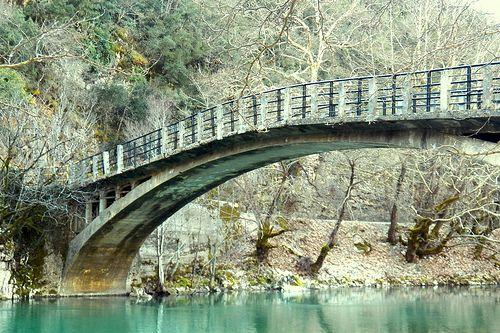 Epirus. www.house2book.com