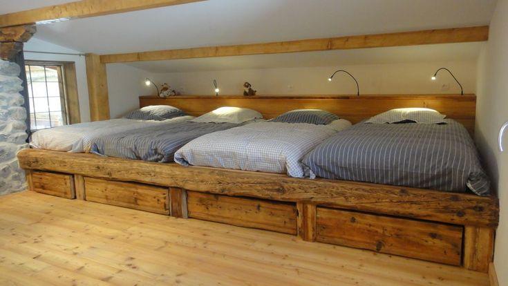 Réservez votre chalet de vacances Saint-Véran, comprenant 4 chambres pour 12 personnes. Votre location de vacances Hautes-Alpes à partir de 70 € la nuit sur Homelidays.