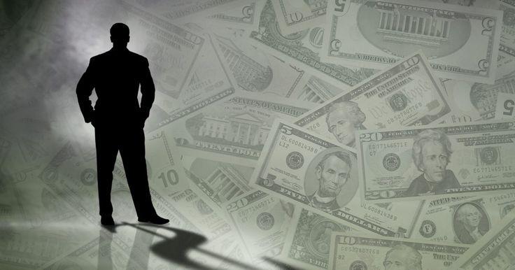 """La definición de certificado de depósito negociable. Un certificado de depósito negociable (del inglés """"certificate of deposit"""" o CD) es un certificado de alto valor de un depósito que tiene un período de vencimiento a corto plazo que va desde unas pocas semanas hasta -pero no más allá- un año y puede ser comprado o vendido en un mercado secundario. Los CDs negociables son ofrecidos por los bancos ..."""