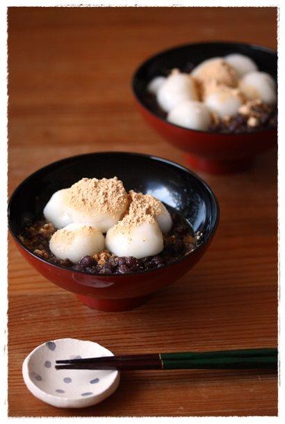 Japanese Zenzai (Sweet Azuki Bean Soup with Shiratama Dumplings and Kinako Soybean Flour) 白玉ぜんざい