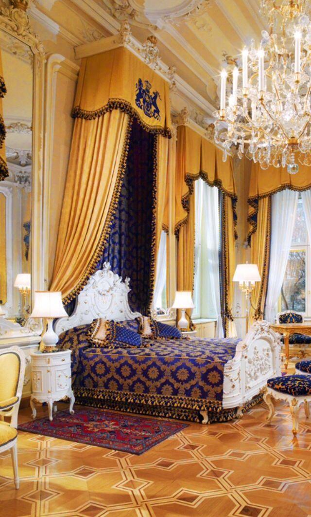 Les 166 meilleures images du tableau lavish bedrooms sur for Tableau chambre parentale