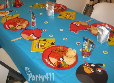 Angry birds party table
