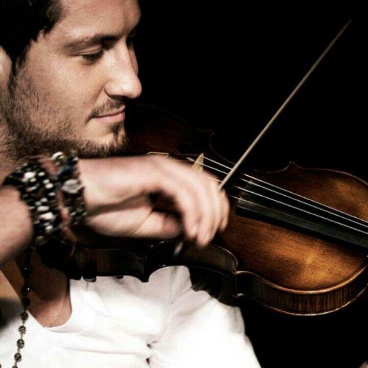 val chmerkovskiy playing violin