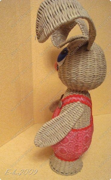 Мастер-класс Поделка изделие Пасха Плетение ДОЖДАЛИСЬ  МК ПАСХАЛЬНОГО КРОЛИКА  Бумага газетная Трубочки бумажные фото 28