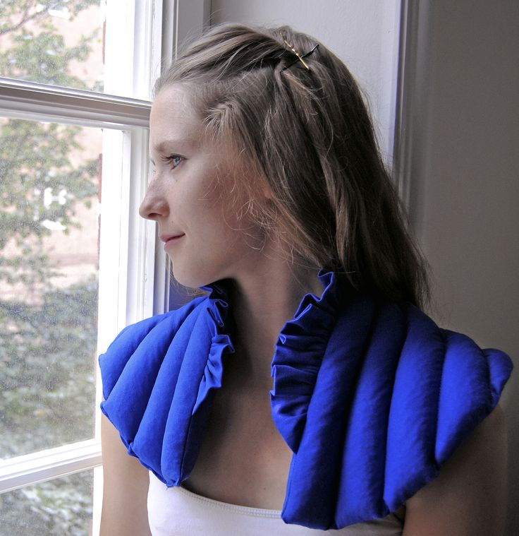 Wheat collar. Design by Isis Flote